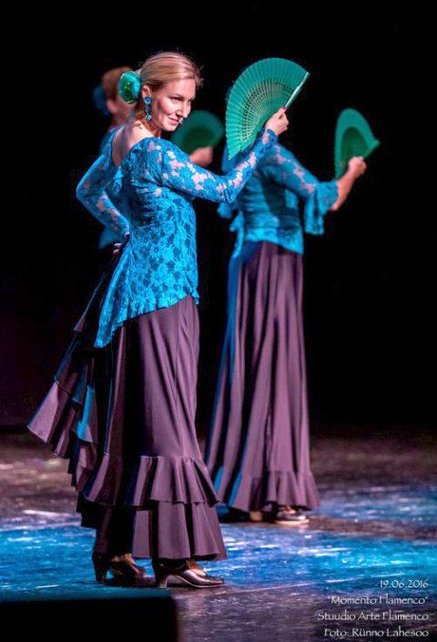 Arte Flamenco III kursus habanera etenduses Momento Flamenco Lindakivi Kultuurikeskuses (2016)