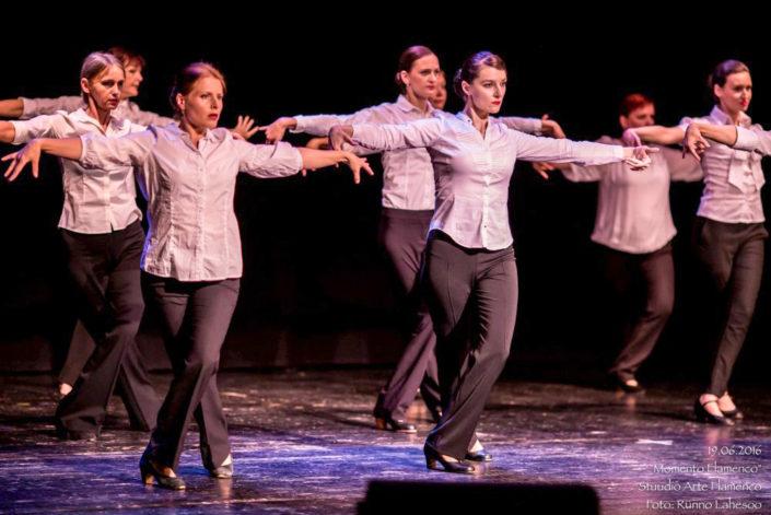 Arte Flamenco V kursus farruca etenduses Momento Flamenco Lindakivi Kultuurikeskuses (2016)