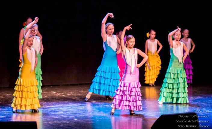 Arte Flamenco lasterühm etenduses Momento Flamenco Lindakivi Kultuurikeskuses (2016)