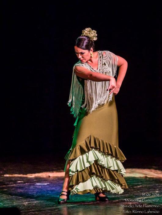 Maria Rääk petenera etenduses Momento Flamenco Lindakivi Kultuurikeskuses (2016)